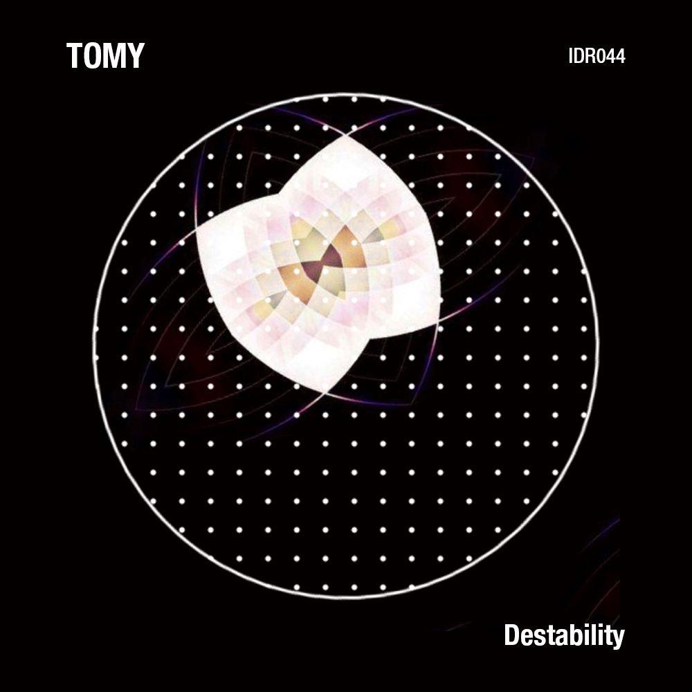 tomy.jpg
